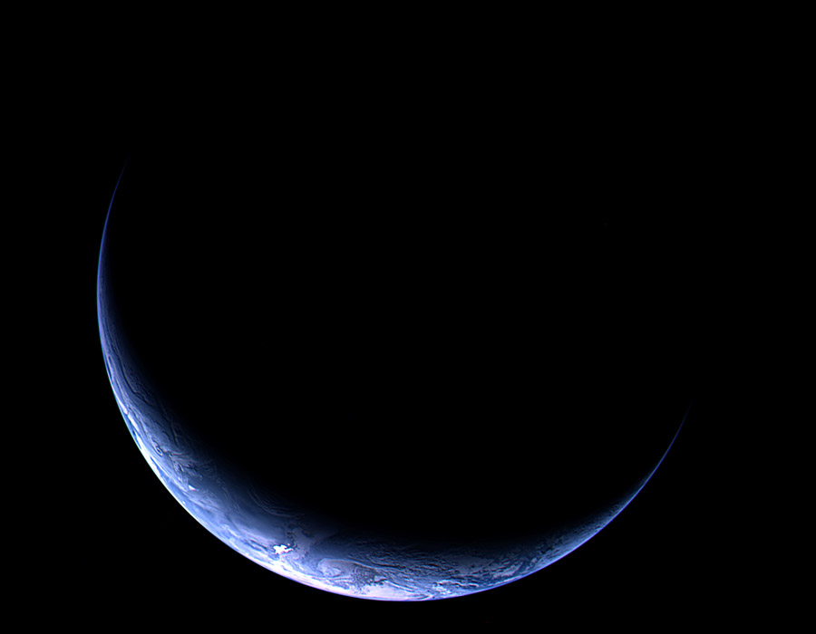 Crescent Earth from the Departing Rosetta Spacecraft via apod.nasa.gov